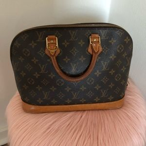 100% Authentic Louis Vuitton Alma Bag